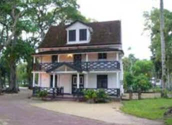 Turismo no Suriname