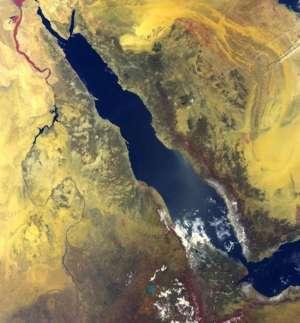 Mar Vermelho fotografado por um satélite