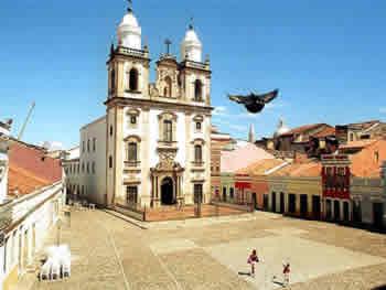 Pátio da Igreja de São Pedro
