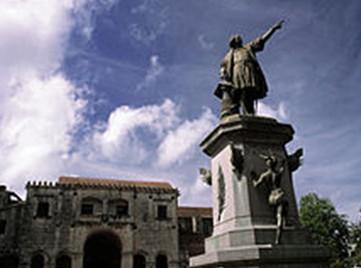 Parque Colón, na cidade colonial