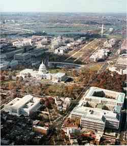 O National Mall, construído no início do século XX, é um imenso parque localizado no centro da cidade.