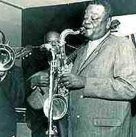 Compositor, instrumentista e arranjador fluminense (1897-1973). Autor do clássico choro Carinhoso, popularizou o uso de instrumentos afro-brasileiros, como o tamborim, o agogô e a cuíca.