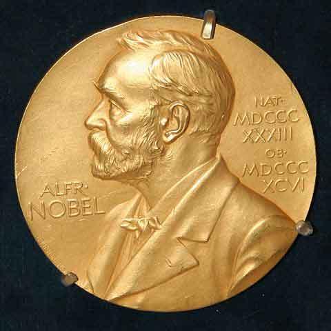 Carl Wieman, Wolfgang Ketterle e Eric Cornell receberam o Prêmio Nobel de Física em 2001 por seu trabalho no condensado de Bose Einstein